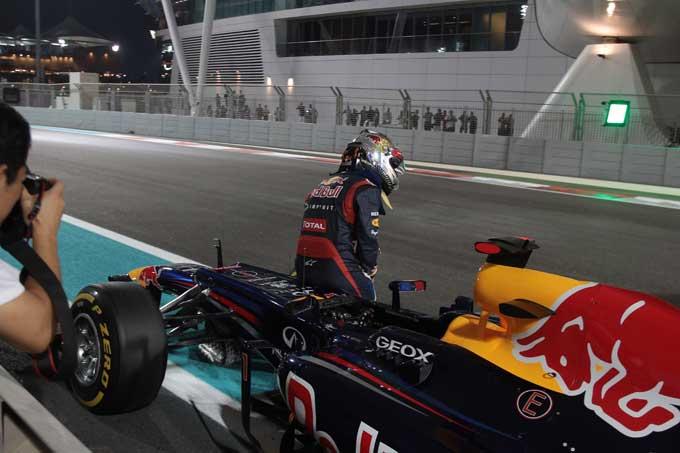 """Renault: """"Vettel retrocesso in qualifica forse per un problema al rifornimento"""""""