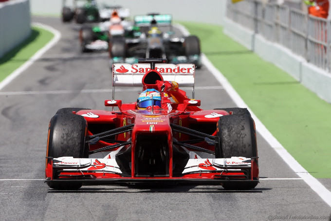 Alonso ha rischiato una penalità per la bandiera spagnola nel giro d'onore