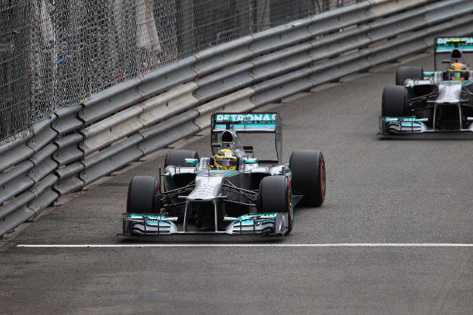 Protesta di Red Bull e Ferrari contro il test segreto Mercedes