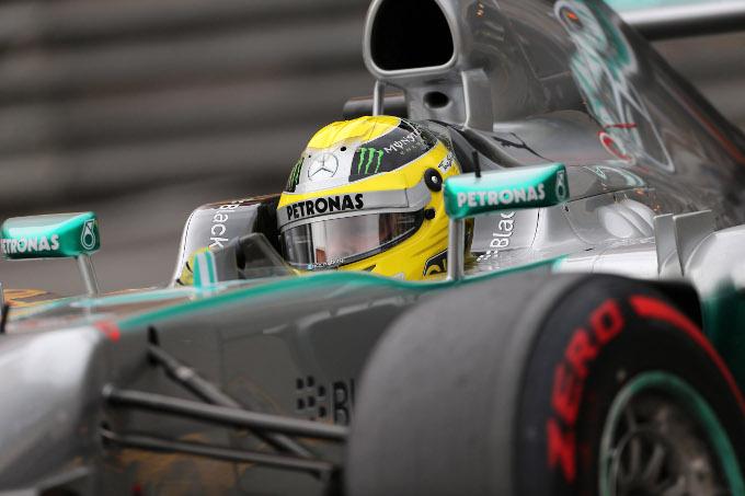 Polemica per un test di gomme segreto della Mercedes
