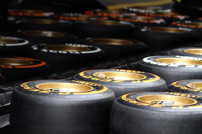 """Pirelli, Hembery: """"Modifiche alle gomme per Silverstone"""""""