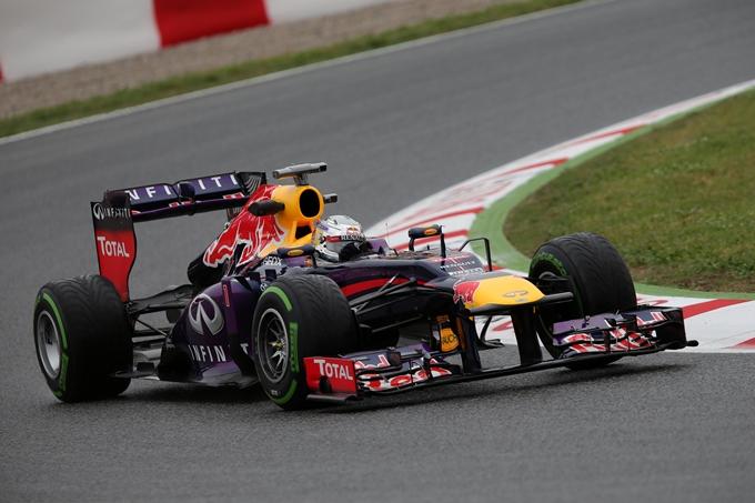 """Vettel: """"Soffriamo troppo con gli pneumatici"""""""