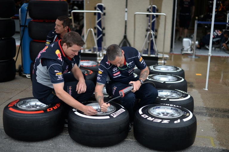Pirelli non porterà le nuove gomme in Inghilterra