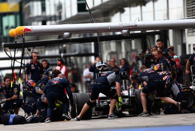 Ricoverato in ospedale il cameraman ferito dal pneumatico perso dalla Red Bull di Webber