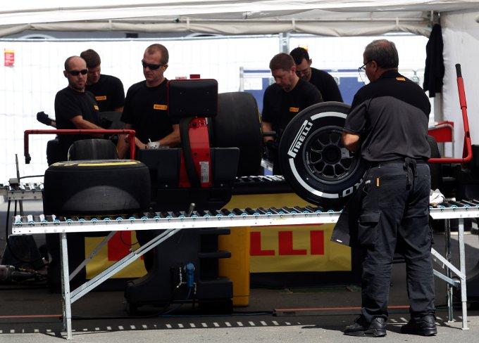 Pirelli: I team testano pneumatici con nuove strutture al Nurburgring