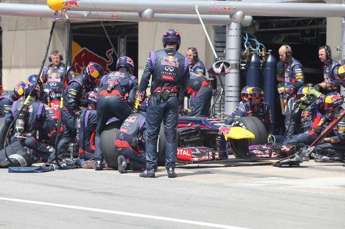 La FIA introdurrà una penalità di 10 posizioni sulla griglia per gli errori ai pit stops