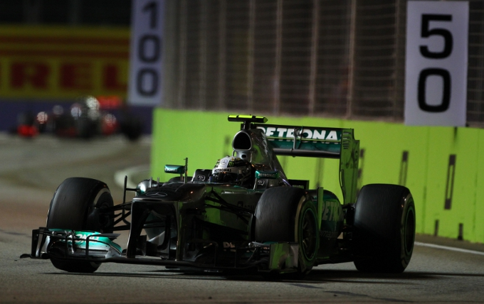 Mercedes: Hamilton e Rosberg delusi per il risultato nel GP di Singapore
