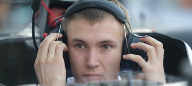 Esibizione al volante della Sauber per Sirotkin