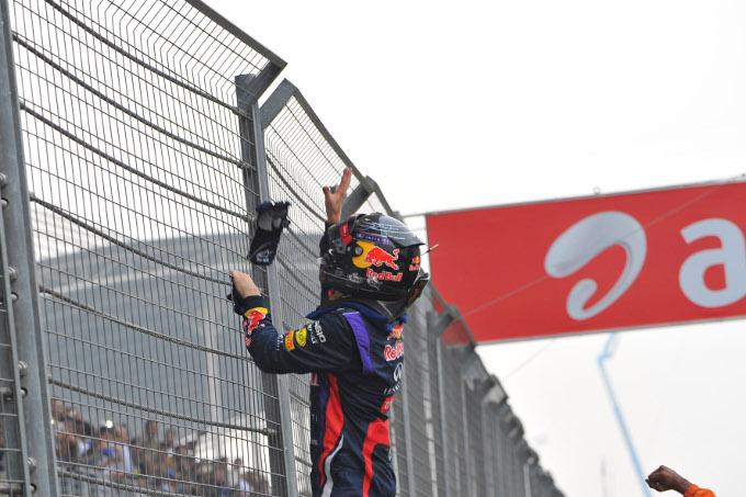 GP India: Vettel ammonito, Red Bull multata per i festeggiamenti in pista