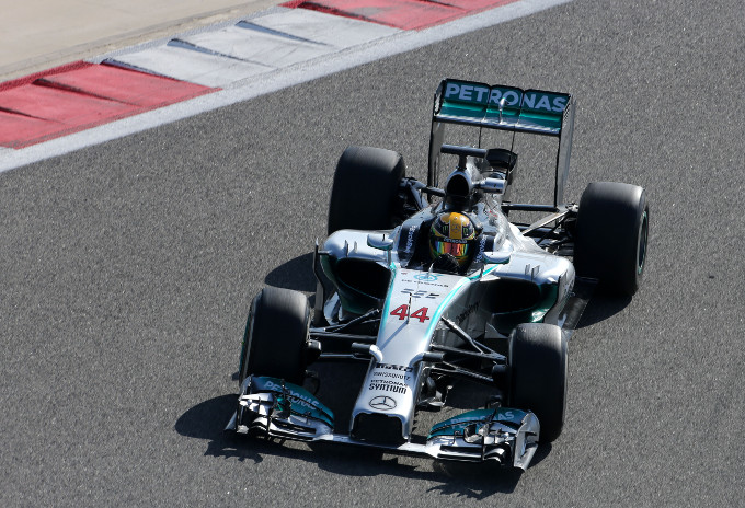Test F1 in Bahrain, giorno 3: Hamilton al comando con la Mercedes in mattinata