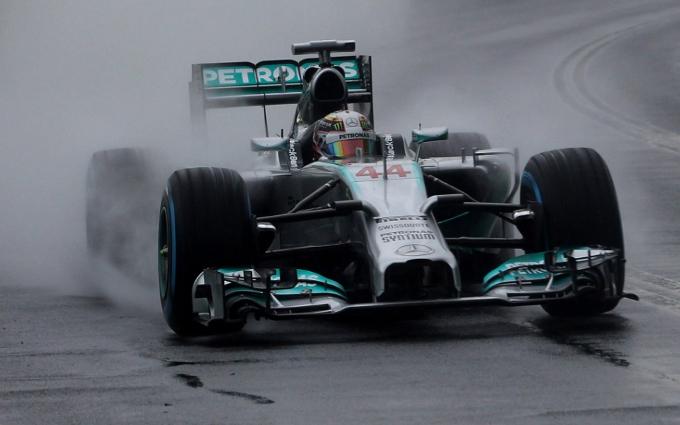 Pirelli: Debutto a Melbourne dei nuovi pneumatici da bagnato