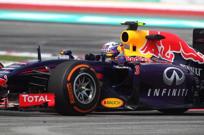 Red Bull: problemi al flusso di carburante anche in Malesia