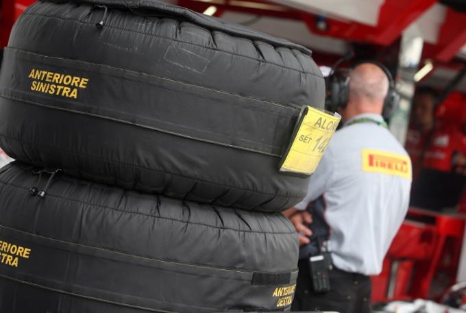 """Pirelli: Hembery, """"Prevediamo strategie a due o tre soste"""""""