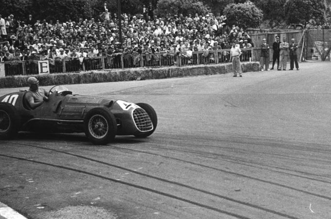Ferrari: a Monaco tra lusso e muretti