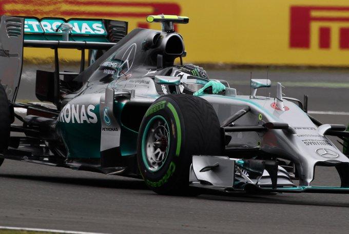 Pirelli: Nelle qualifiche di Silverstone utilizzate anche le intermedie e le wet