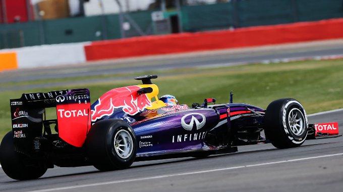 """Red Bull: Vettel, """"Abbiamo svolto un buon lavoro per Pirelli"""""""