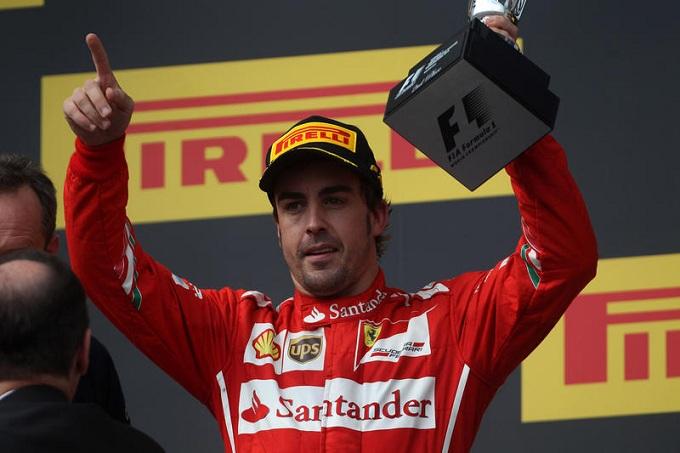 Fernando Alonso smentisce il rinnovo milionario con la Ferrari