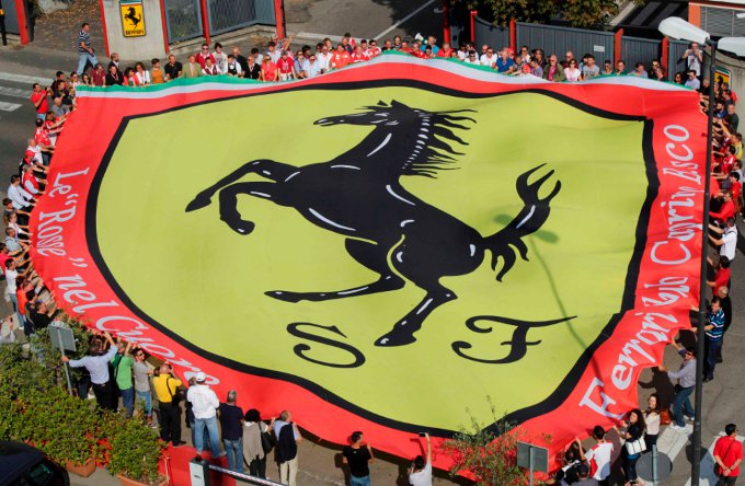 """I tifosi Ferrari: """"Grazie Presidente, rimarrai sempre nei nostri cuori"""""""