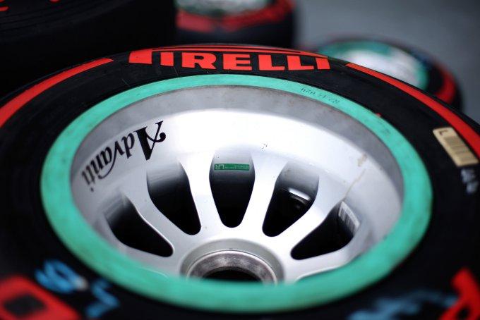 """Pirelli: Hembery, """"Il degrado termico sarà la sfida più grande qui a Singapore"""""""