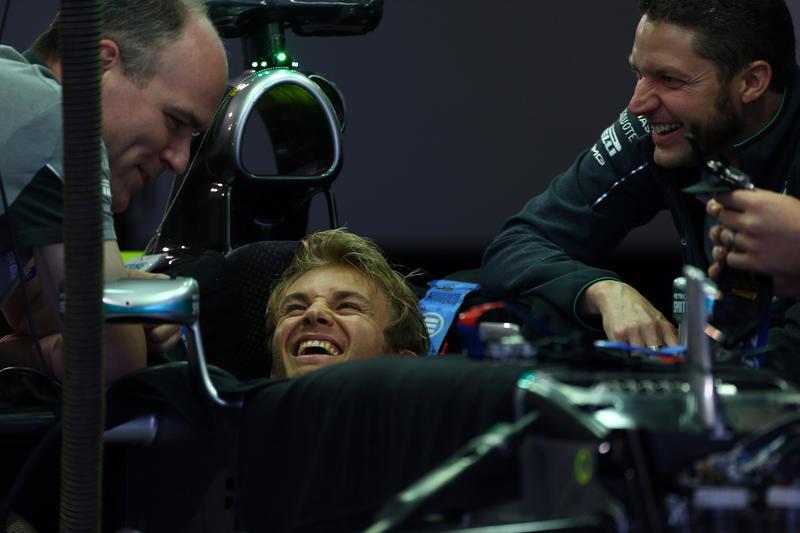 GP Giappone, Prove Libere 1: il miglior tempo è di Rosberg