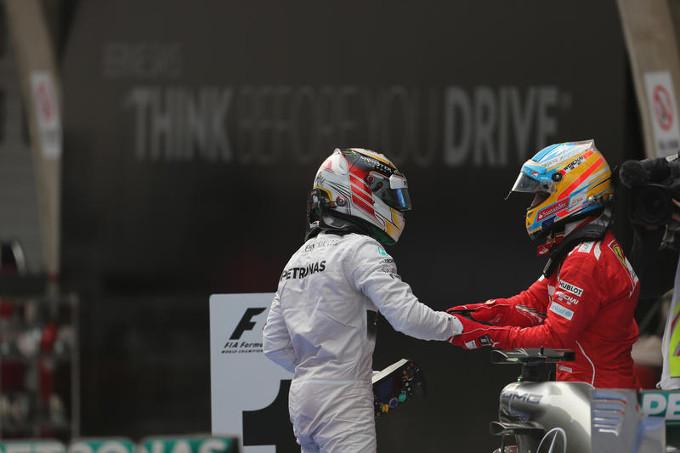 Mercedes: idea Alonso per il 2016