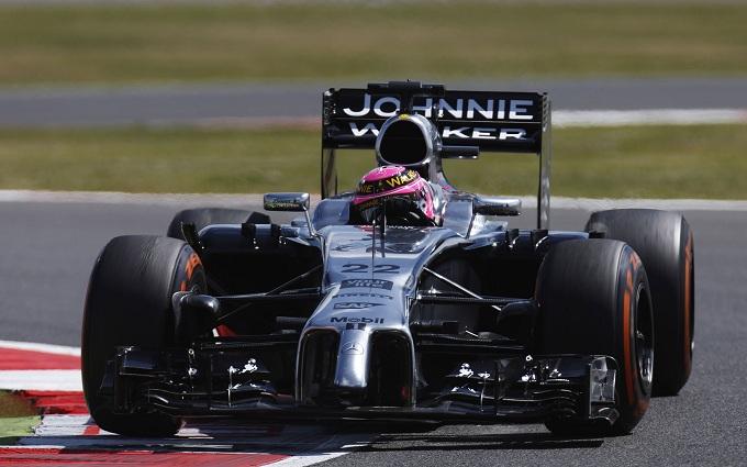Jenson Button con la McLaren in Scozia per la Johnnie Walker