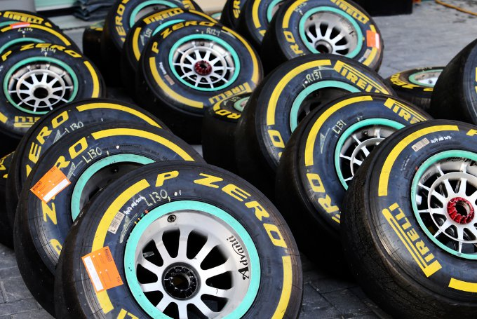 Pirelli: debutto per gli pneumatici 2015 nei test di Abu Dhabi