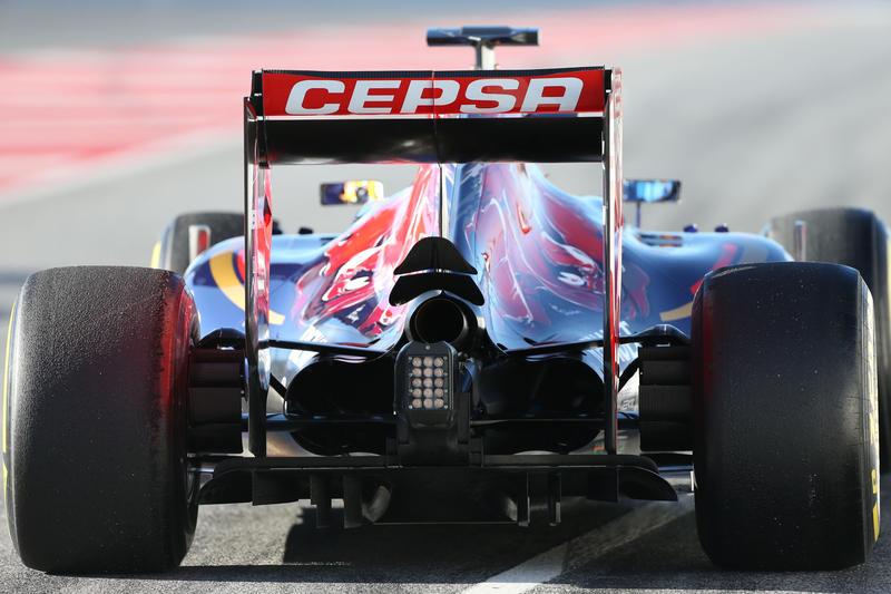 Test F1 Barcellona, giorno 4: Sainz davanti al mattino. Incidente per Alonso