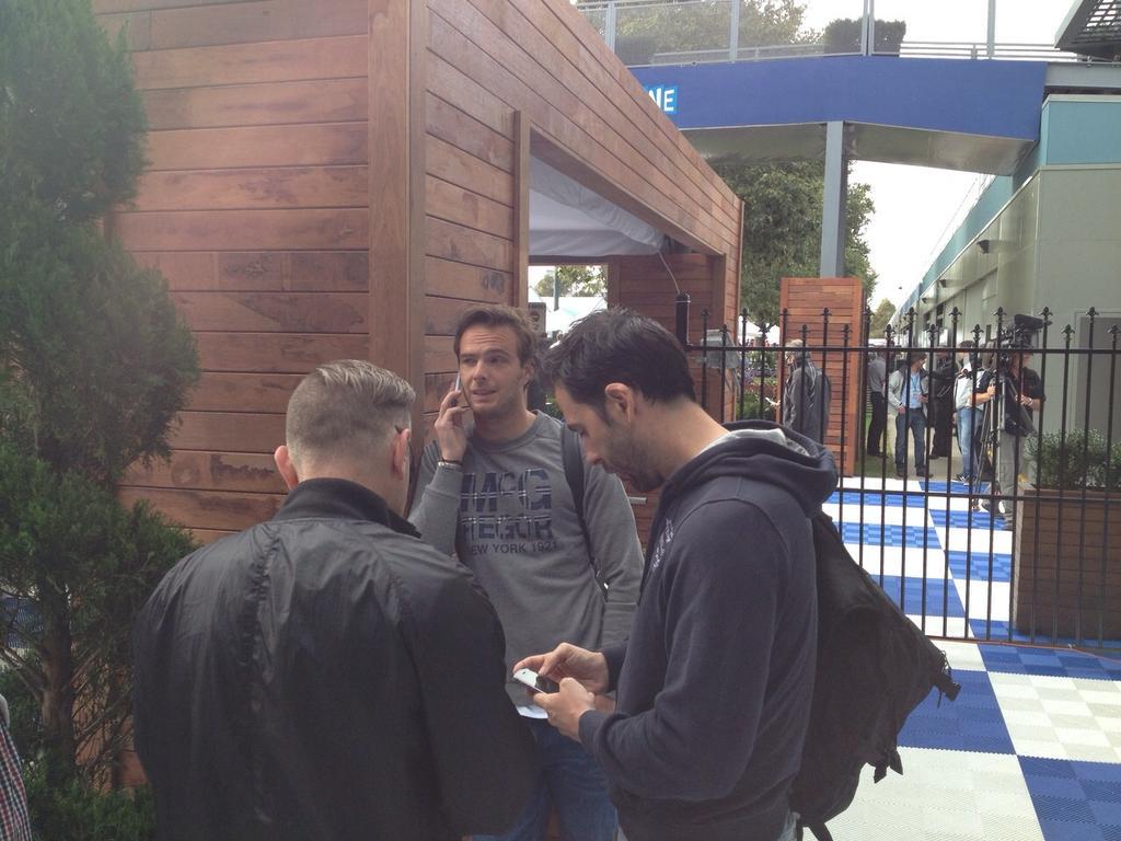 Van der Garde bloccato fuori il paddock di Melbourne