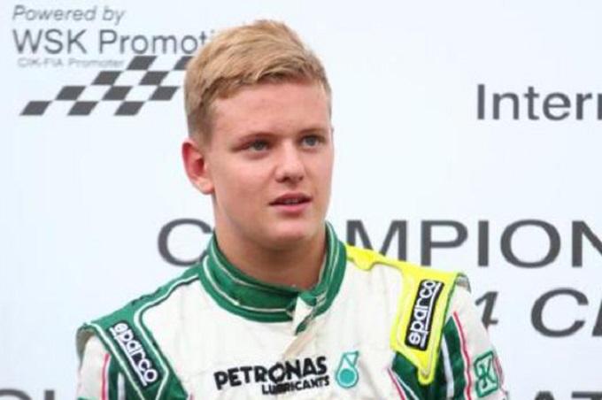 Incidente a 160 km/h in Formula 4 per il figlio di Michael Schumacher
