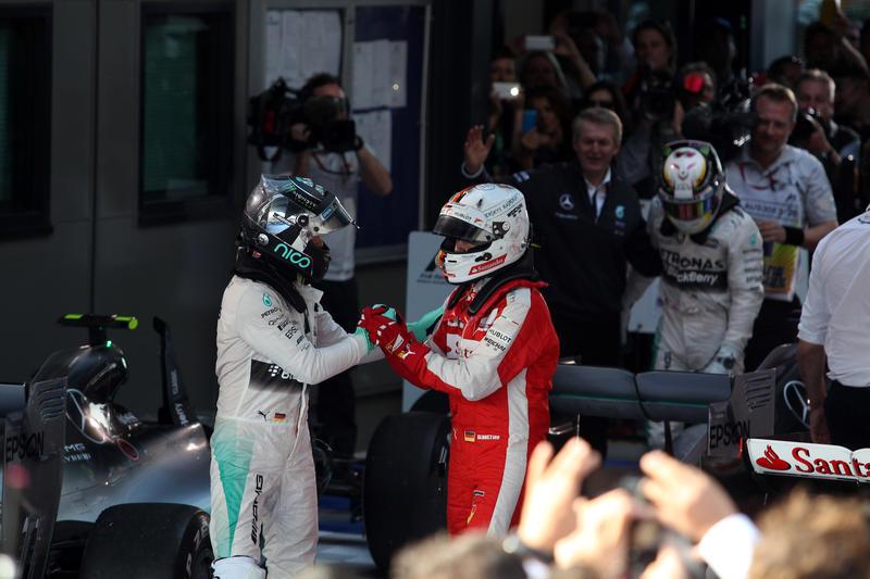 GP Malesia: Rosberg invita Vettel all'incontro con gli ingegneri Mercedes