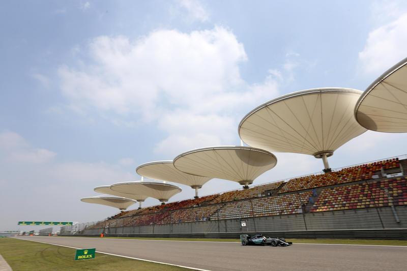 GP Cina, Prove Libere 2: Hamilton conferma il buon passo davanti a un ottimo Kimi