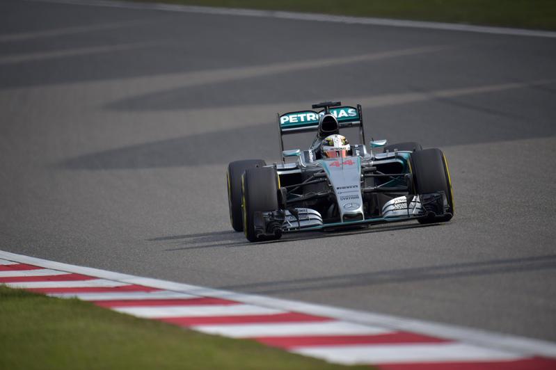 GP Cina, Qualifiche: è Hamilton show. Terzo Vettel