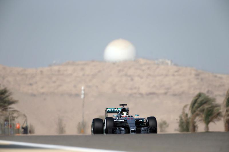 GP Bahrain, Qualifiche: il fulmine Hamilton si aggiudica la pole