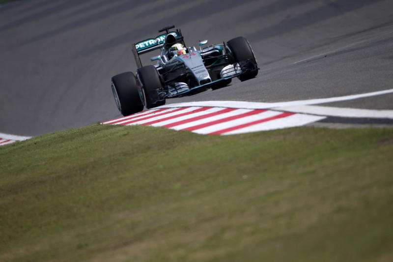 GP Cina: Hamilton vince con furore