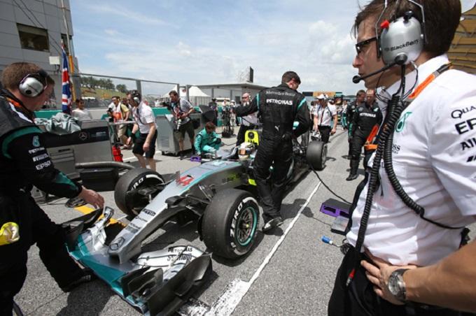 Mercedes al lavoro: in Cina aggiornamenti previsti per il Bahrain