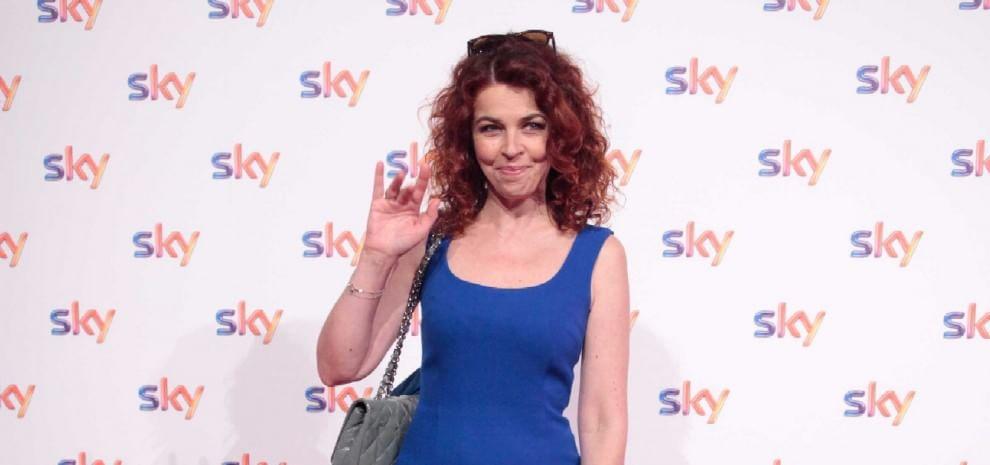Paola Saluzzi sospesa da Sky per aver insultato Alonso