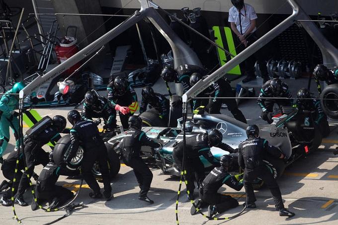 Mercedes al lavoro sui pit stop per provare a battere la Ferrari