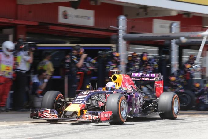 F1, Red Bull: Ricciardo settimo, Kvyat decimo al GP Spagna