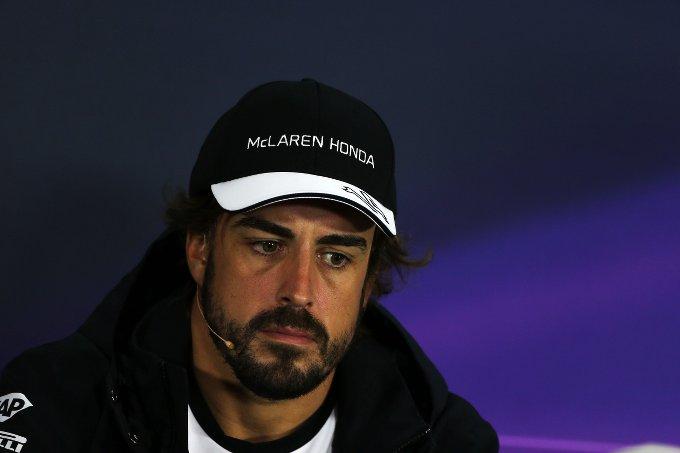 McLaren: penalità e aggiornamenti per Alonso