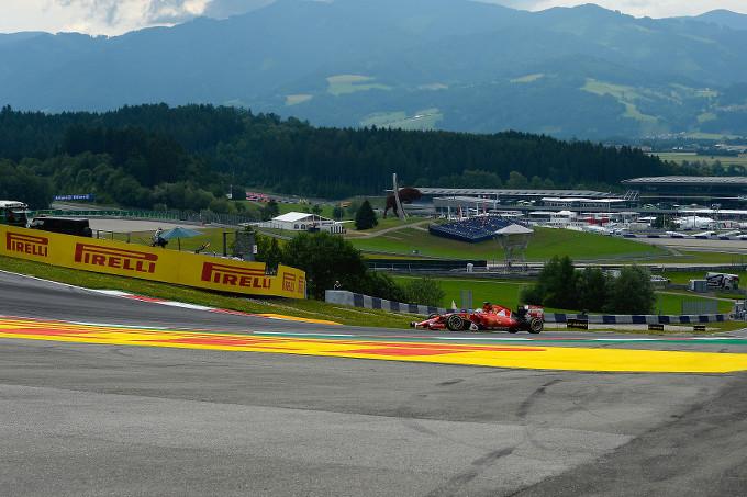"""Paul Hembery, Direttore Motorsport Pirelli: """"Abbiamo visto che lo stress sulle gomme è abbastanza basso qui"""""""