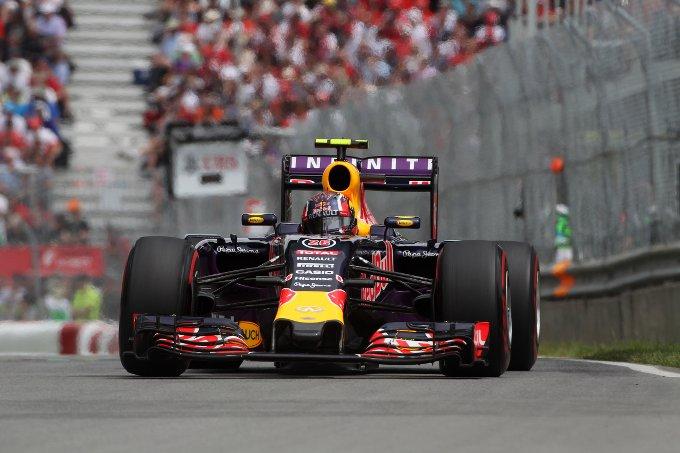 Red Bull smentisce il ritorno ai motori Ferrari