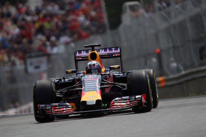 """Ricciardo: """"Speriamo di concludere il weekend senza penalità"""""""