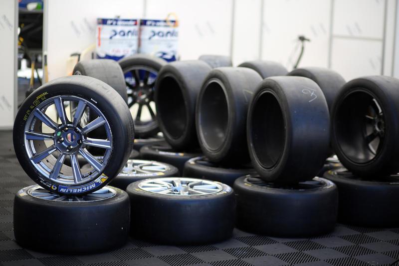 """Michelin, stoccata a Pirelli: """"I piloti devono poter spingere al 100%"""""""