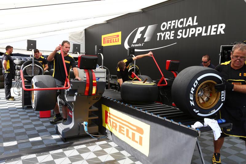 """Mercedes preoccupata, Pirelli: """"Nessun danno strutturale alle gomme"""""""