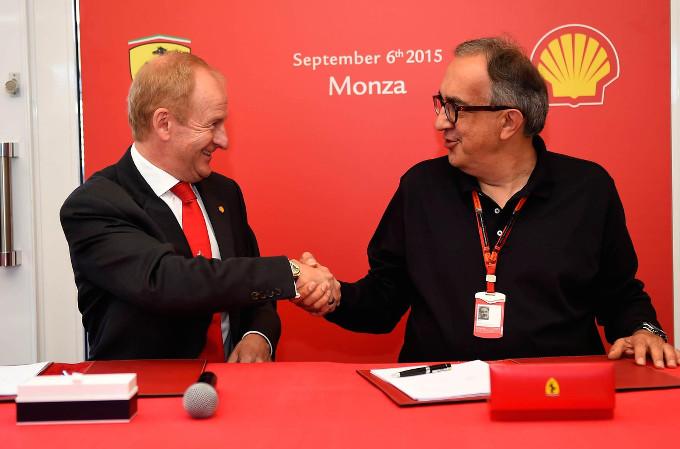 La Scuderia Ferrari rinnova il contratto con Shell