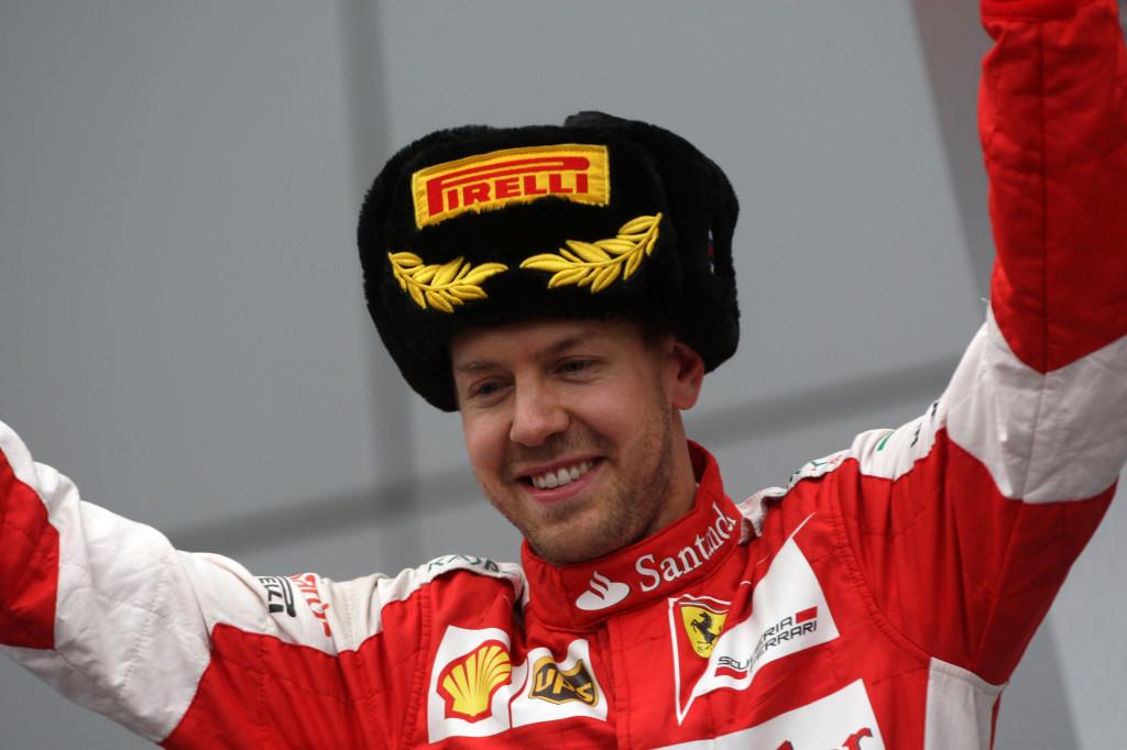 """Ferrari, Vettel entusiasta: """"Bel secondo posto, che duelli con Kimi e Perez!"""""""