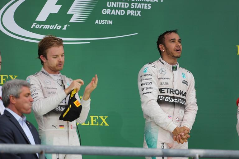 """Hamilton: """"Non sento di dover parlare con Rosberg"""""""
