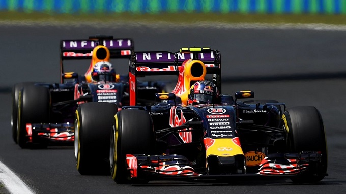 """Ecclestone: """"Sorpreso che la Mercedes non dia i motori alla Red Bull"""""""