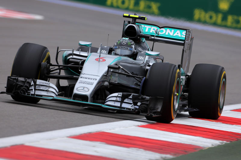 GP Russia, Libere 3: Rosberg al top. Sessione interrotta per un brutto incidente a Sainz